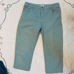 Cherokee capris, light greenish blue, 10